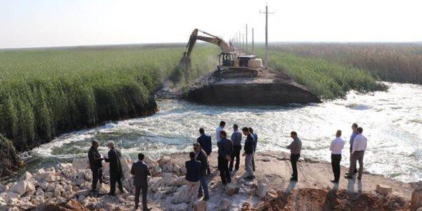 پایان عملیات ترمیم دایک مرزی ( خاکریز مرزی ) هورالعظیم و مهار خروج آب به سمت بخش عراقی تالاب
