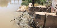 عملیات پاکسازی و رفع گرفتگی دریچه های سر دهانه نهر لشکر آباد۳